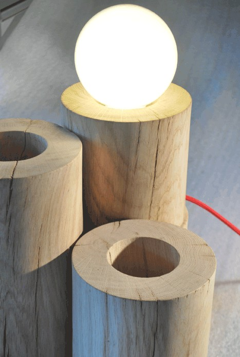 lampe a poser en bois brut lune
