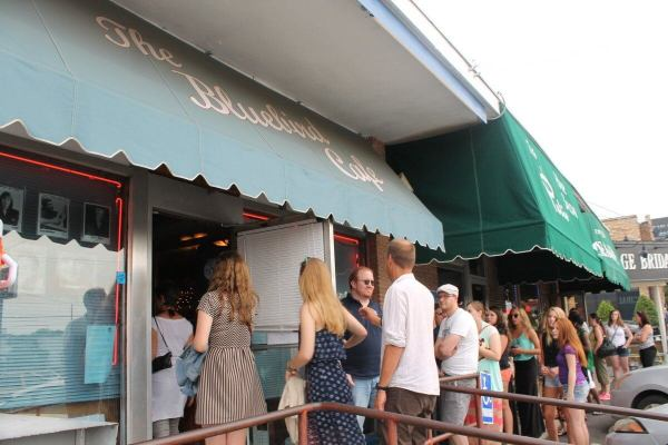 Bluebird Cafe ' With People In