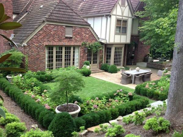 beautiful and functional garden