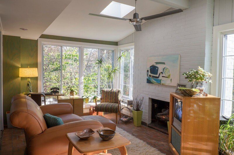 Check Out This Mid 20th-Century Modern Home