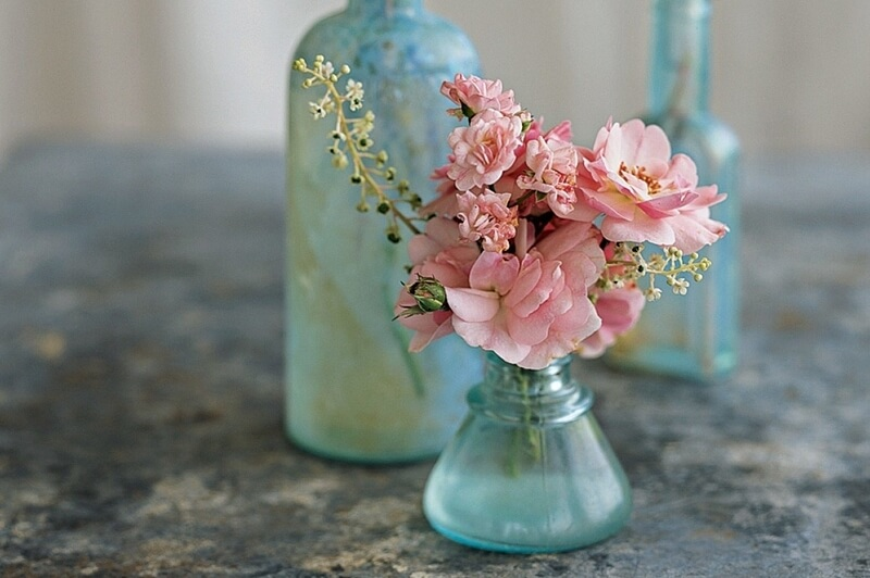 Simple Amp Beautiful Flower Arrangements To Welcome Company