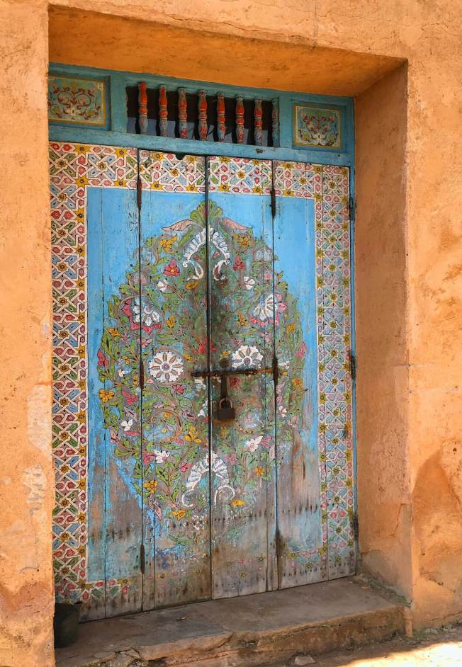 Les dessins brillants, audacieux et colorés font partie de l'art et de la culture marocains.