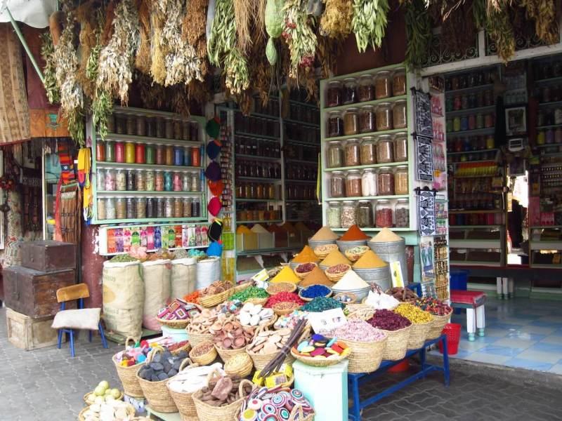 Un marché aux épices à Marrakech | Image: Riad El Cadi