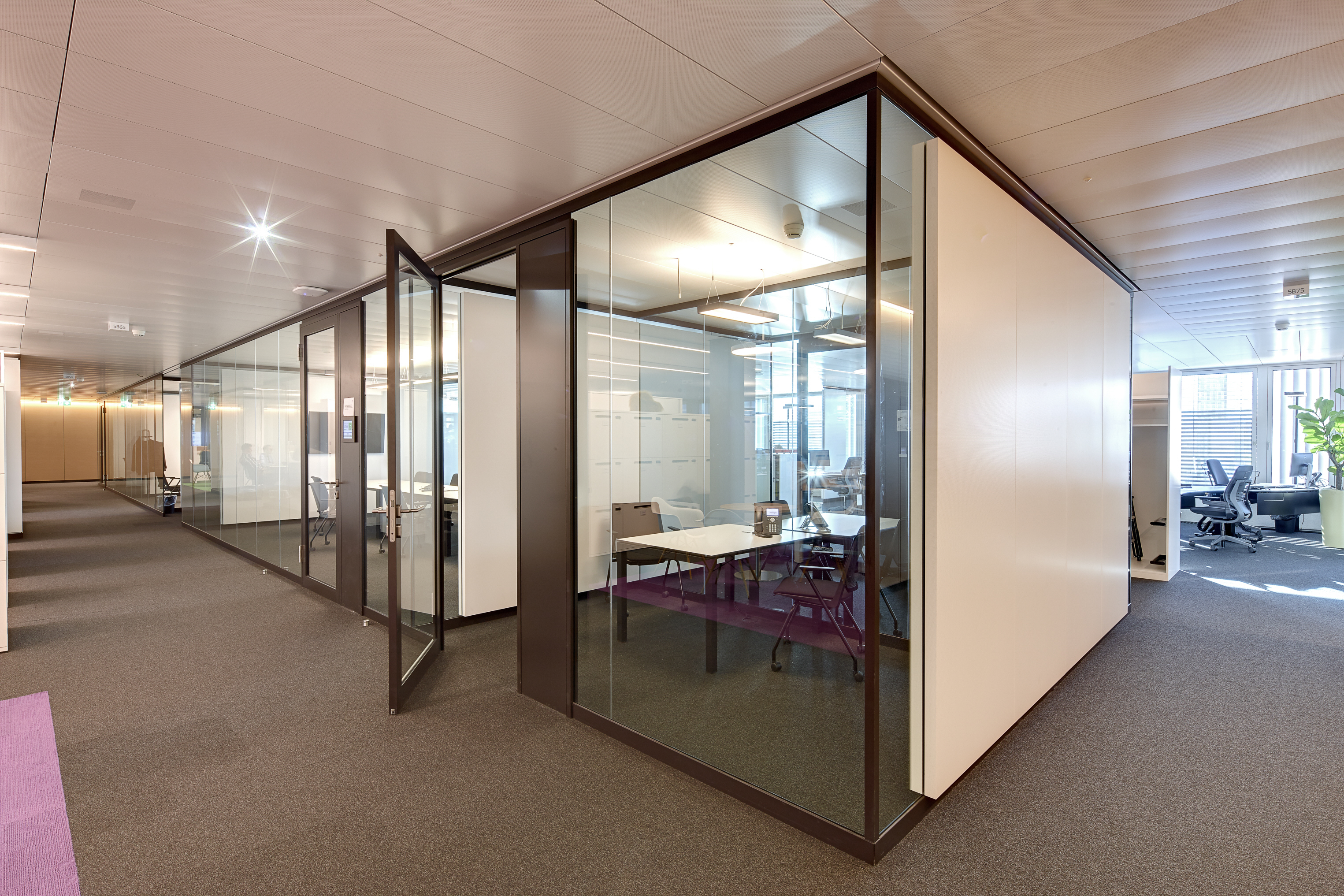 Tranquility In An Open Plan Office STYLEPARK