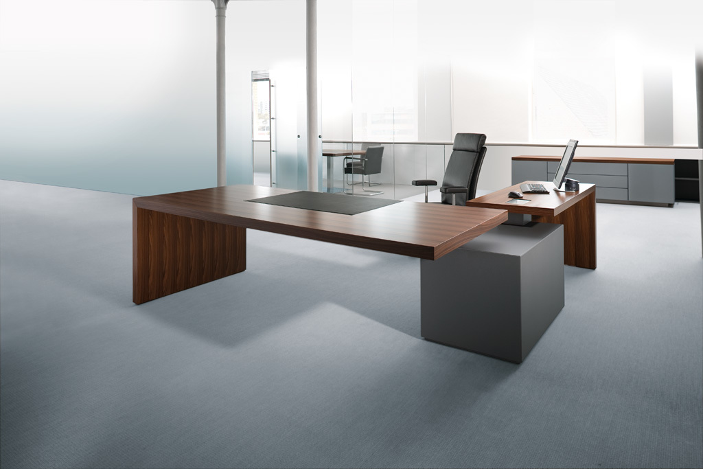 Headoffice Mono desk by Walter Knoll  STYLEPARK