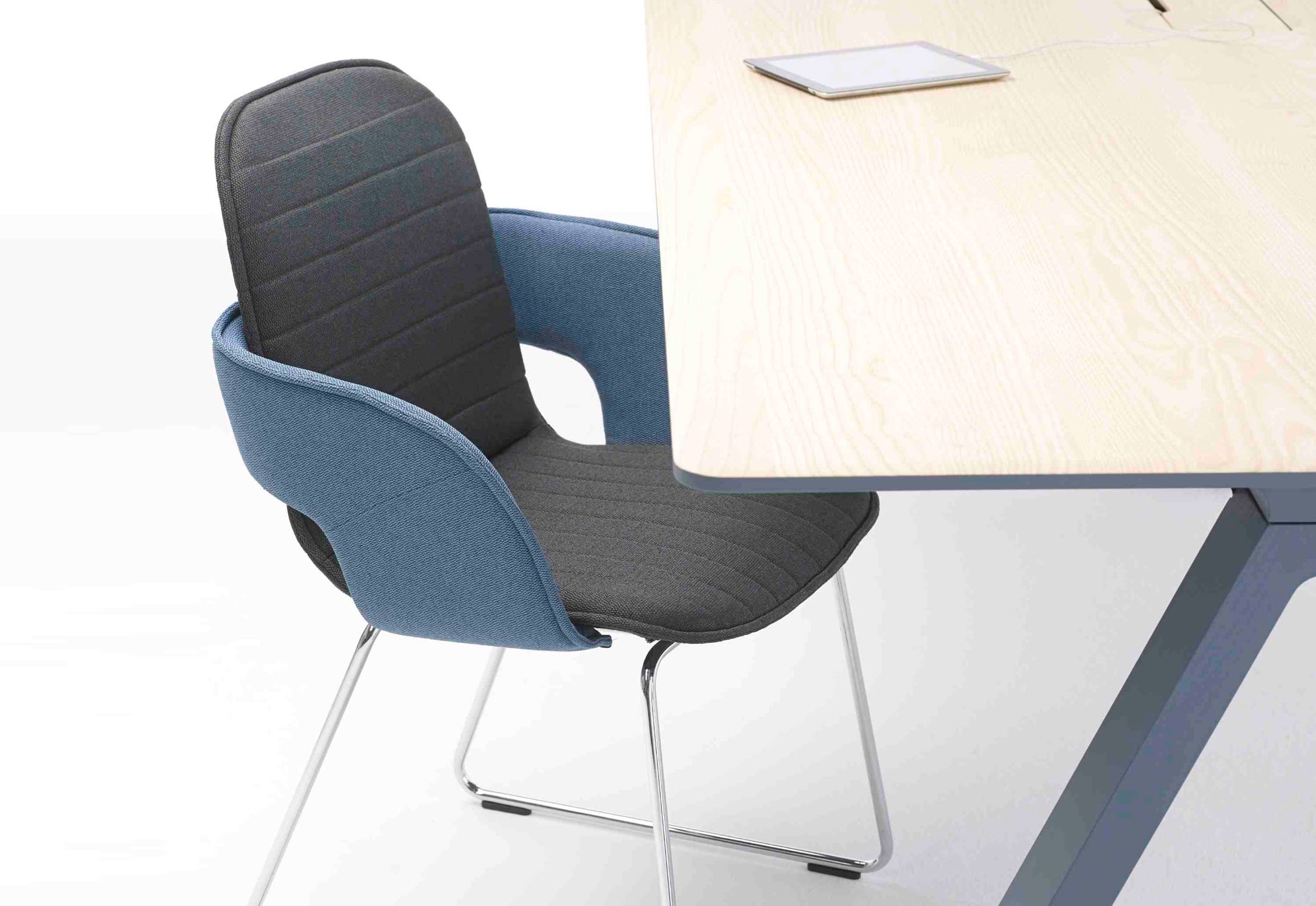 Flux chair with skids by Arco  STYLEPARK