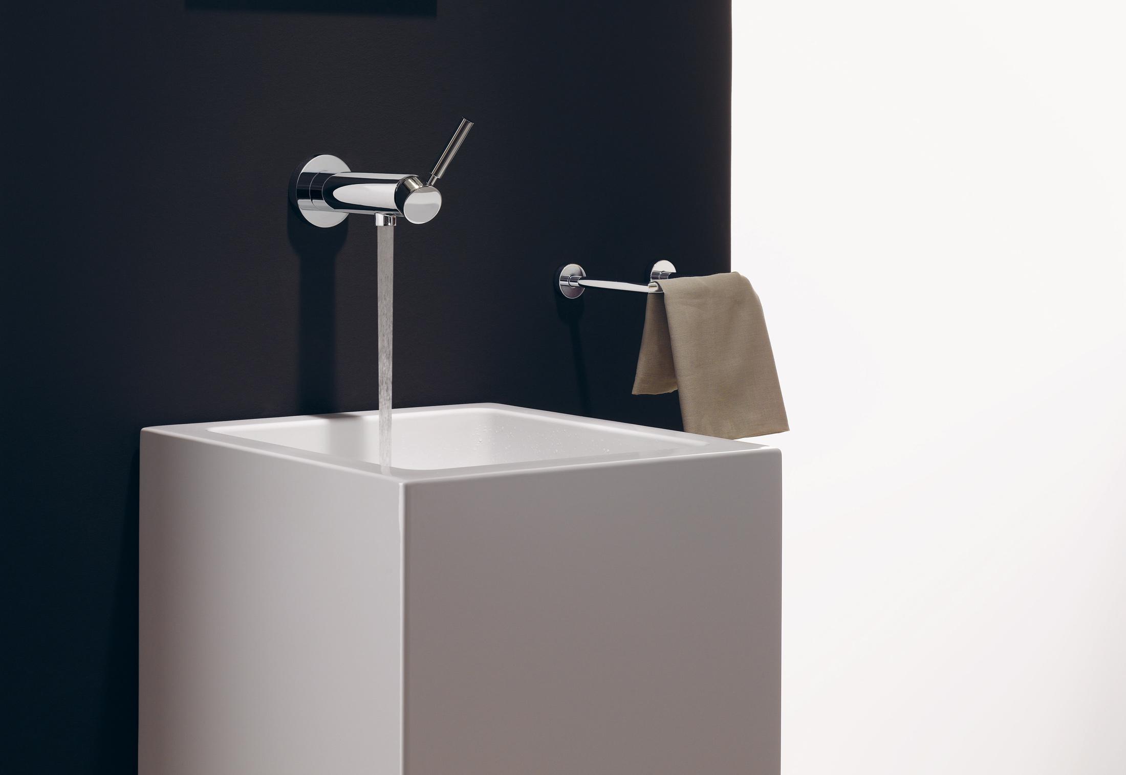 TARA LOGIC wallmounted singlelever basin mixer with