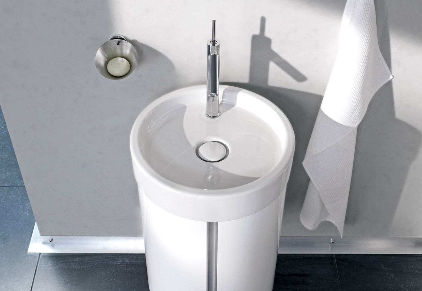 Starck single washing basin round by Duravit  STYLEPARK