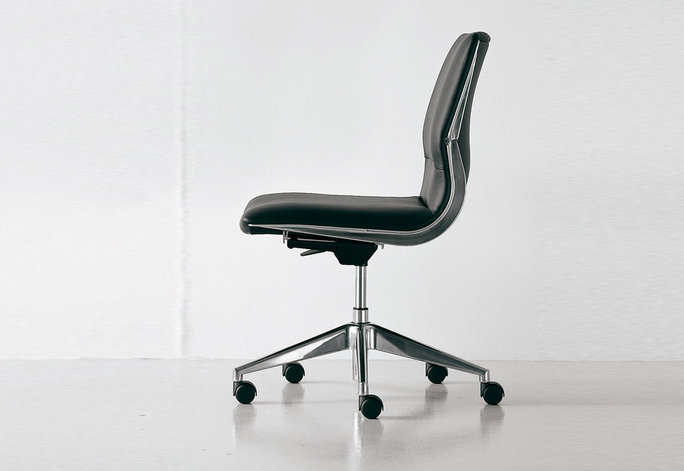 executive office chairs specifications the chair company cx swivel by fantoni stylepark