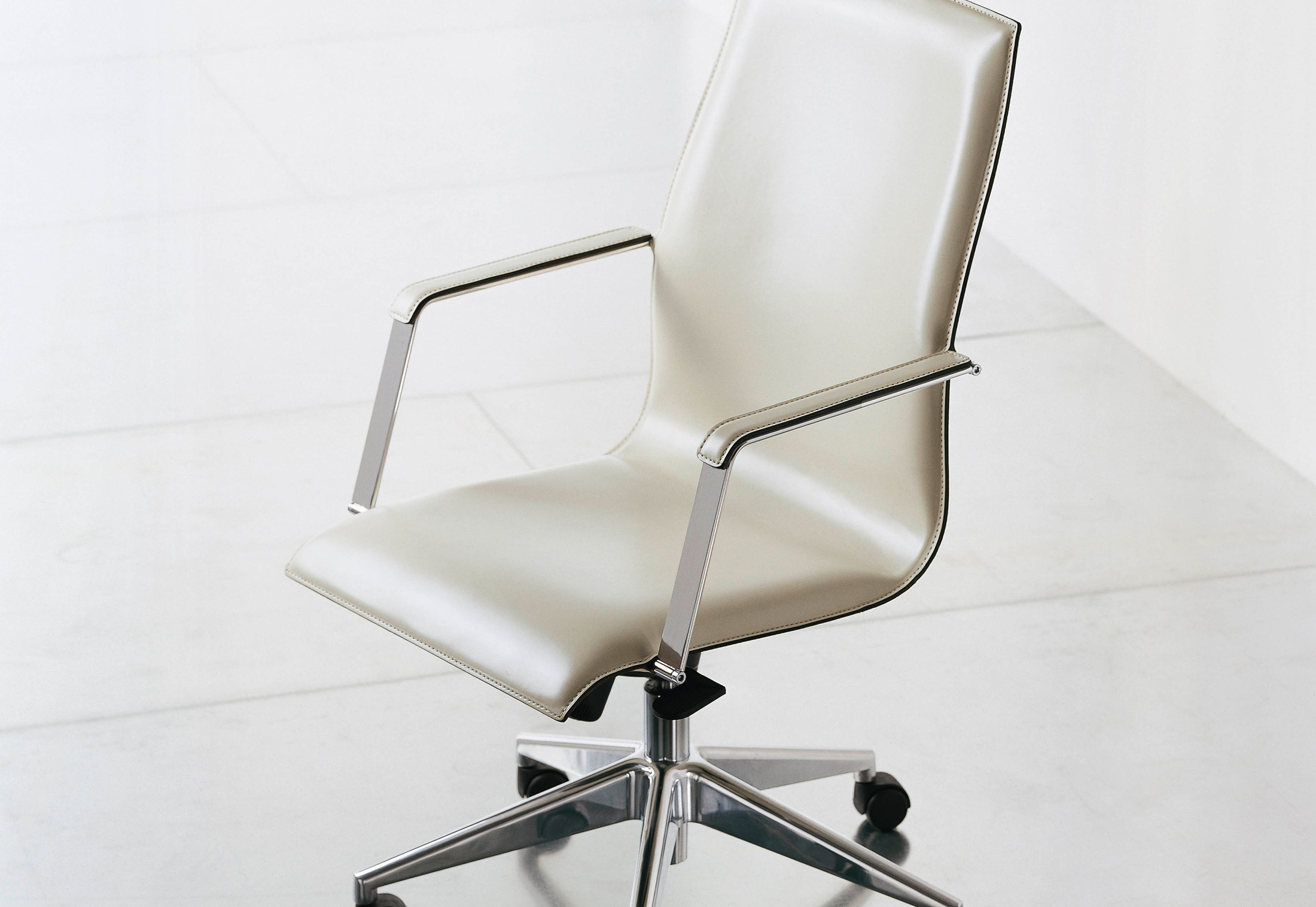 executive office chairs specifications chair cushions tie on kx swivel by fantoni stylepark