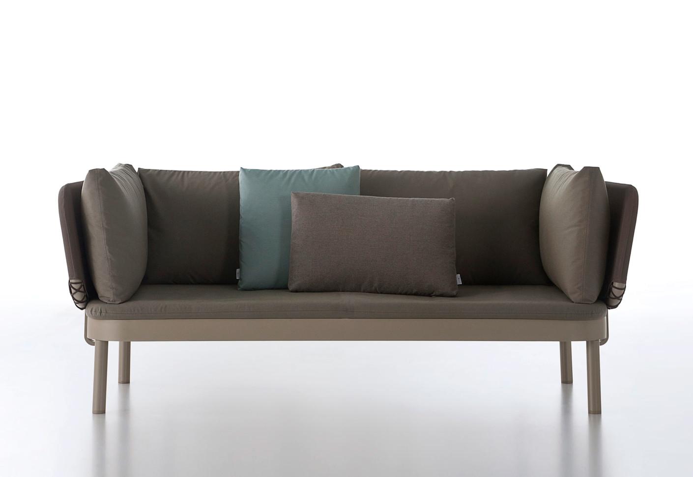 gandia blasco clack chair keekaroo high parts tropez sofa by stylepark