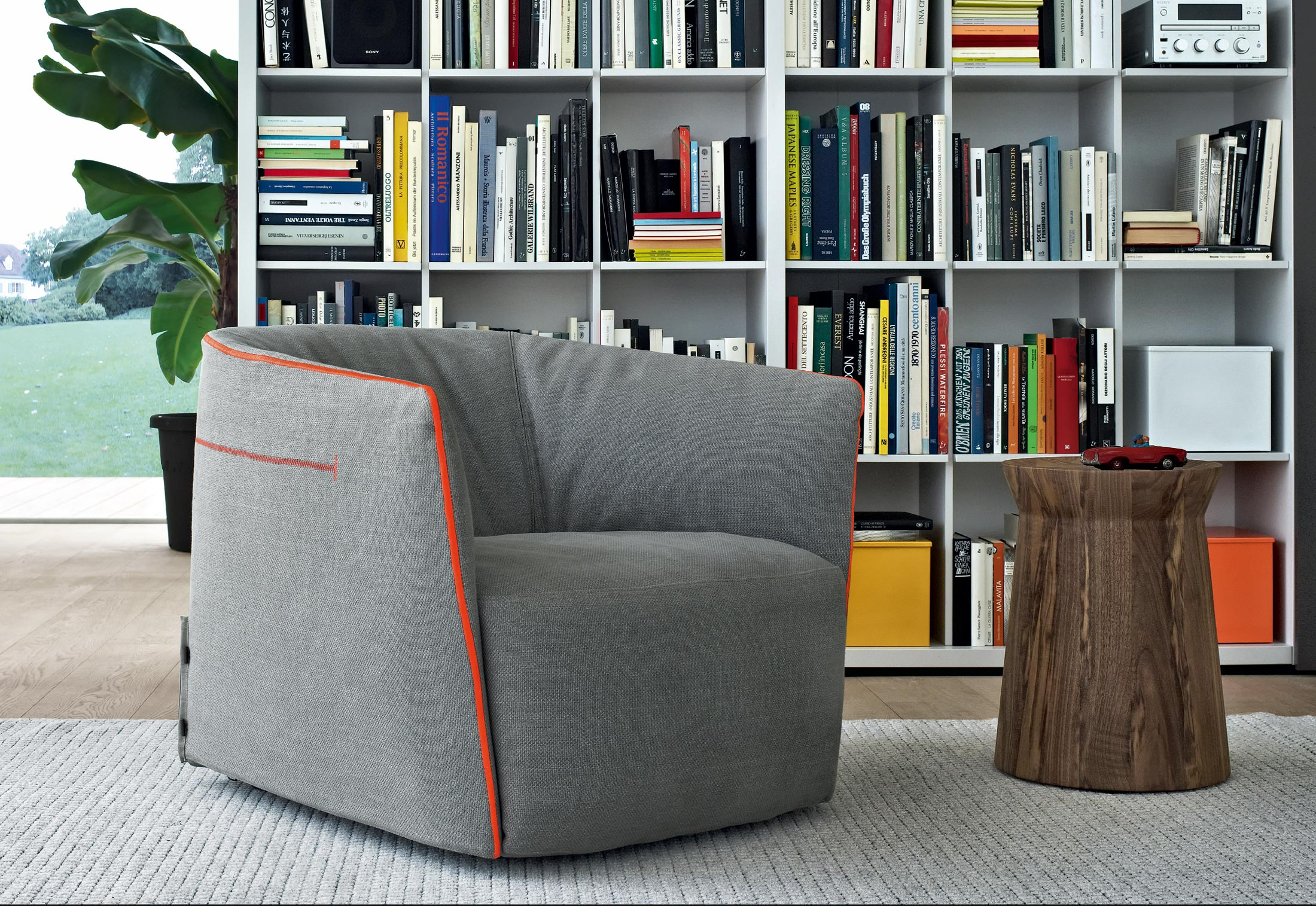 rooms to go santa monica sofa reviews best leather cleaner for white easy chair by poliform stylepark