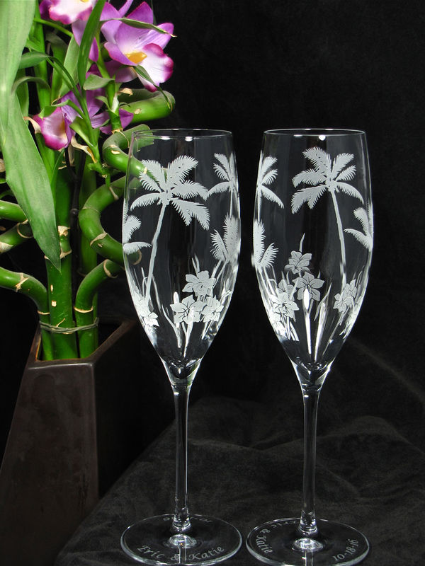 Personalized Palm Tree Wedding Set Champagne Flutes And