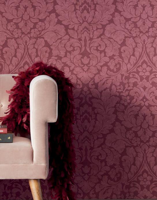La si trova in molte variazioni di colore: Wallpaper Lumina Wine Red Wallpaper From The 70s