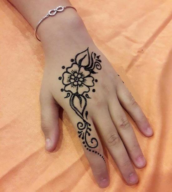 50+ Simple Henna Tattoos For Women & Men (2020)