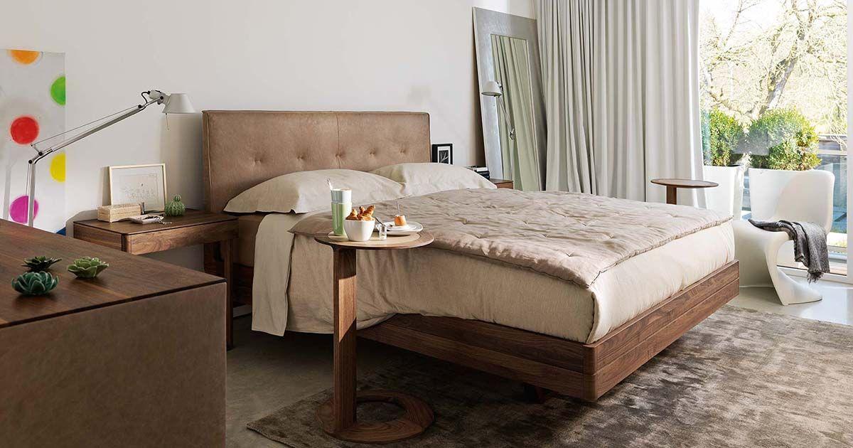 Ogni complemento d'arredo, come il letto, i comodini e l'armadio, è ideato per creare un ambiente che sia esteticamente d'appeal e durevole. Letti In Legno Naturale Massello Per La Zona Notte Team 7