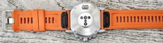 Coros Vertix 2 opticla hr array underneath Review