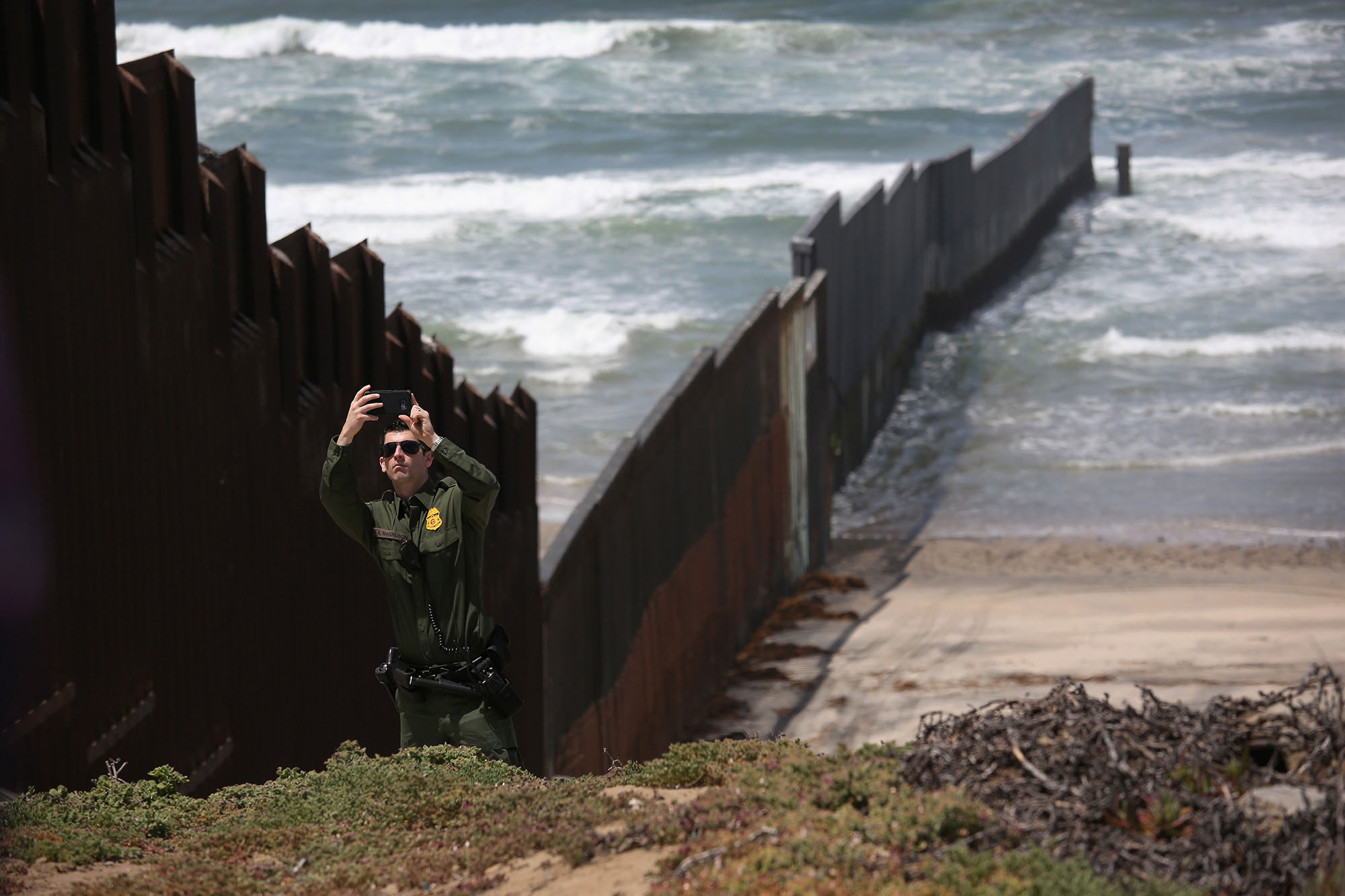 Cbp Marine Interdiction Agent Cover Letter On The Border With The Photographer John Moore The Atlantic