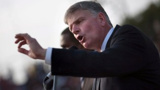 Franklin Graham Says America 'Won't Go Much Further Unless We Repent and Call on God' Because 'Only God' Can Fix 'Crumbling' United States