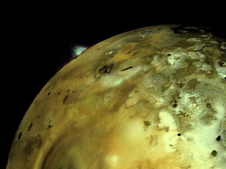 Voyager 1 captures a volcanic eruption on Jupiter's moon Io. NASA/JPL