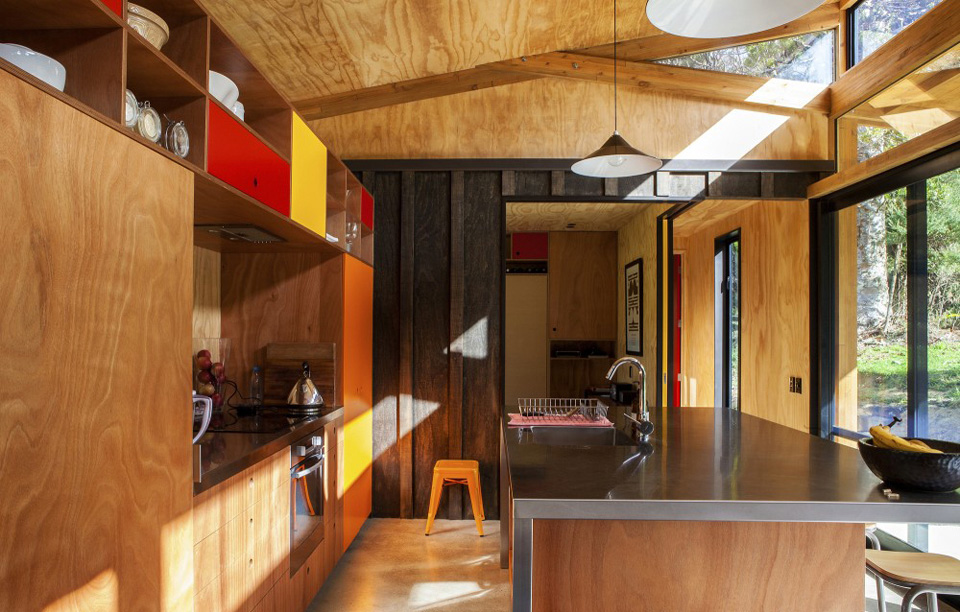 Big Living in MidCentury Modern Home in New Zealand
