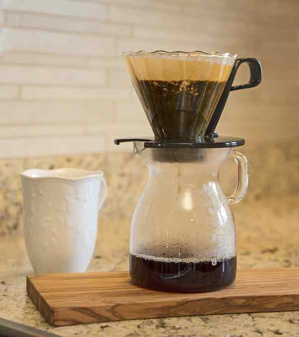 Pour Over Coffee Makers Caffeine Addicts