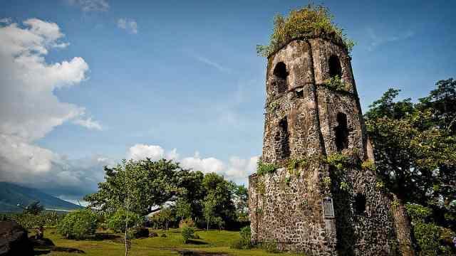 Cagsawa Ruins Park in Legazpi Albay