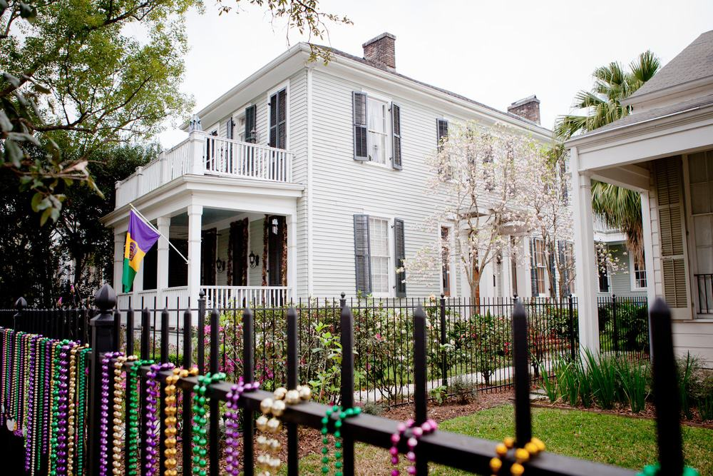 Where To Stay In New Orleans Neighborhoods Area Guide The Crazy Tourist