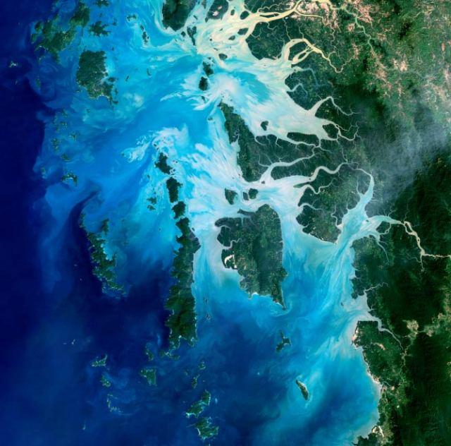 Mergui Archipelago, Burma I © NASA Earth Observatory/WikiCommons