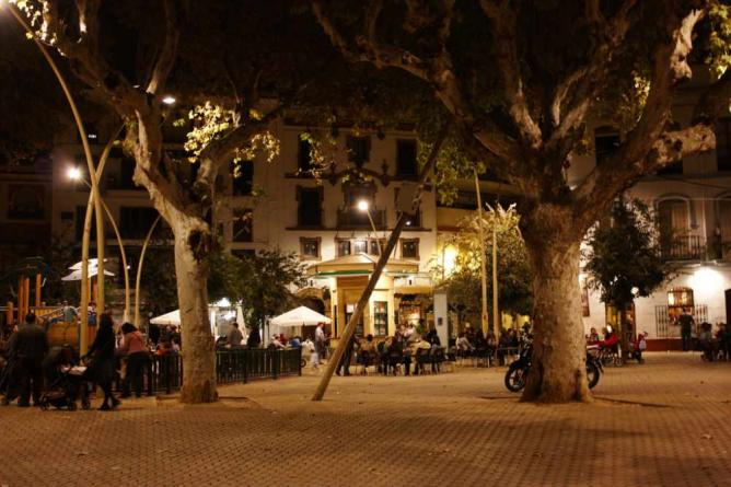 mismatched dining chairs lift chair aldi the 10 best restaurants in la alameda, seville