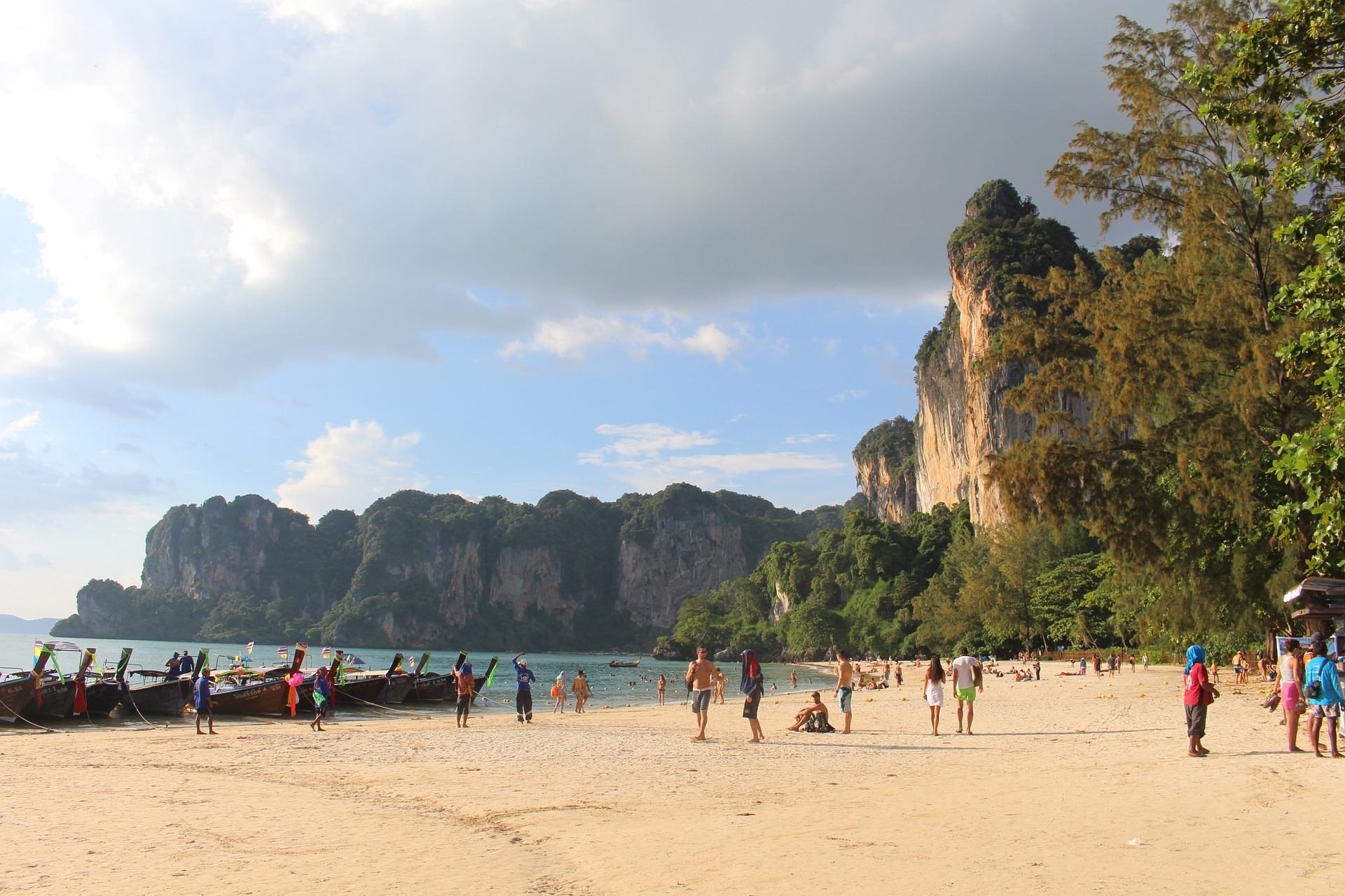 10 Inspiring Places You Must Visit in Thailand