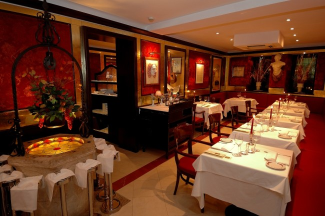 Eat At Venices Most Cultural Restaurant Bistrot De Venise