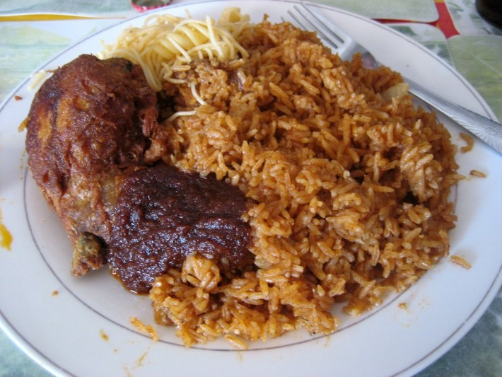 A plate of Jollof Rice © sharon mckellar / Flickr