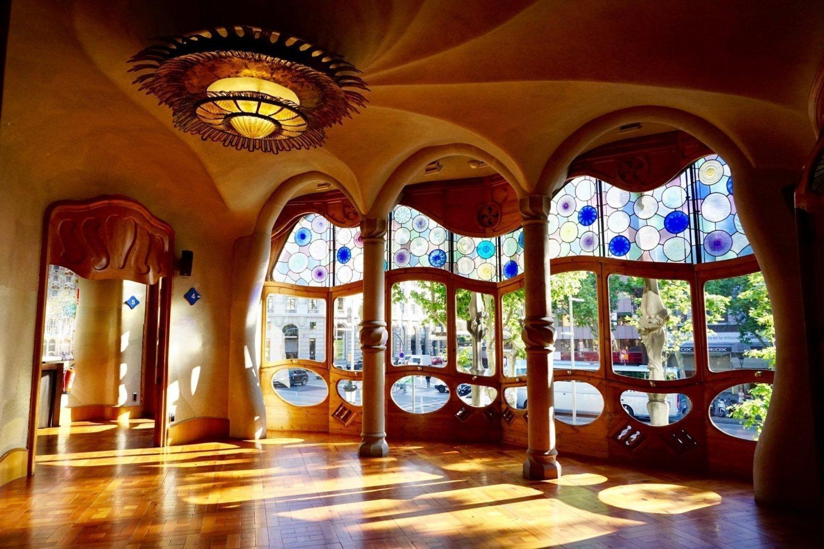10 MustVisit Gaud Buildings in Barcelona