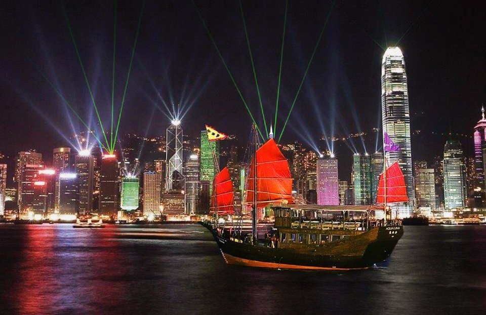 The Story Of Hong Kongs Iconic Aqua Luna Red Sail Junk Boats