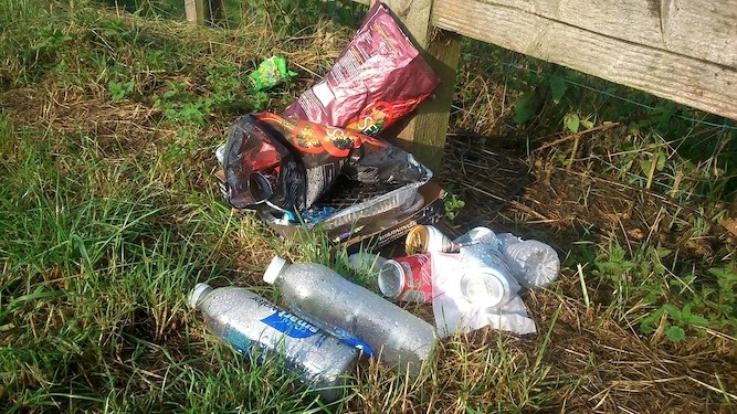 Family love visiting tranquil countryside and f**king it up with litter
