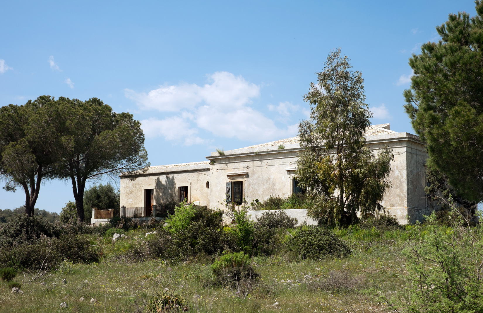 Gorgeous Sicilian Estate In Need Of Tlc Lists For 850k