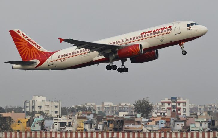 An Air India passenger plane takes off from Sardar Vallabhbhai Patel International Airport in Ahmedabad January 30, 2013. Credit: Reuters/Amit Dave/Files