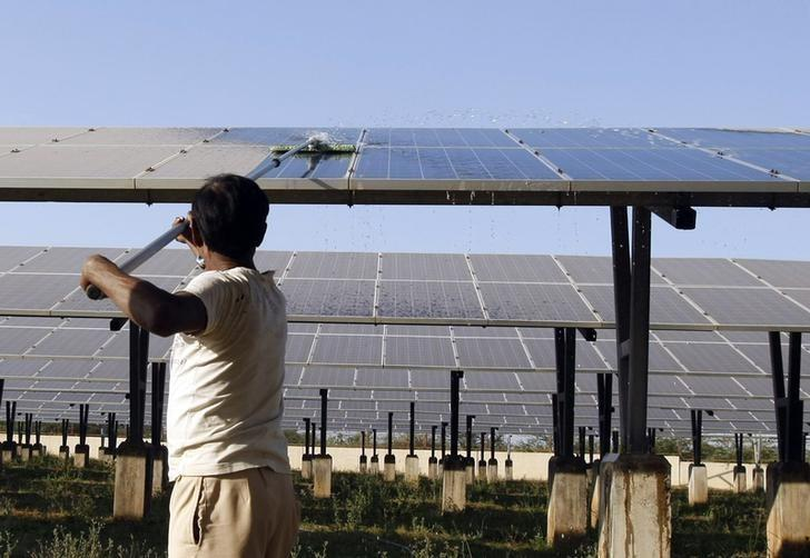 This year's Budget offers reasonable feed-in tariffs to incentivise farmers to switch to solar pumpsets. Credit: Reuters