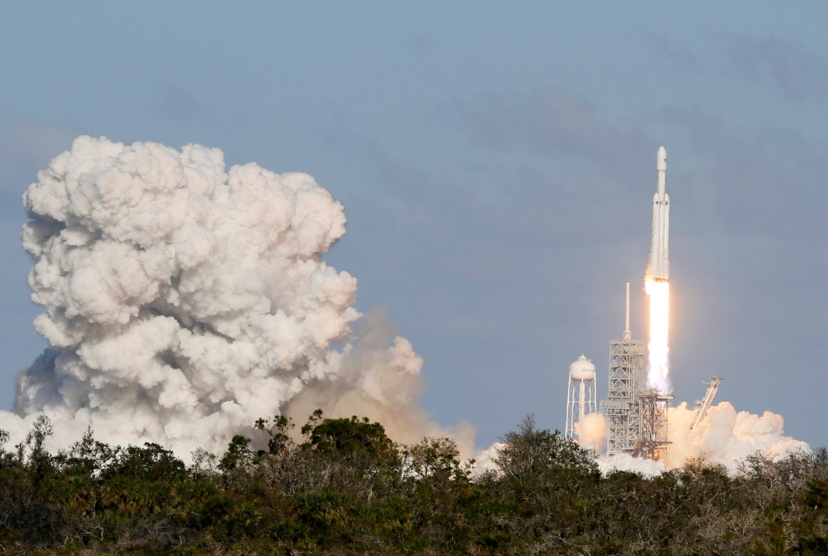 A SpaceX Falcon Heavy rocket lifts off from historic launch pad 39-A at the Kennedy Space Center in Cape Canaveral, Florida, US, February 6, 2018. Credit: Reuters/Joe Skipper