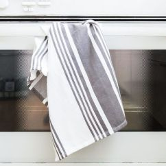 Kitchen Towel Drain Pipe The Best Towels Reviews By Wirecutter A New York Times Runner Up Crate And Barrel Cuisine Stripe Dish