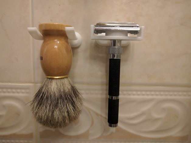 Wall mounted double edged safety razor holder by