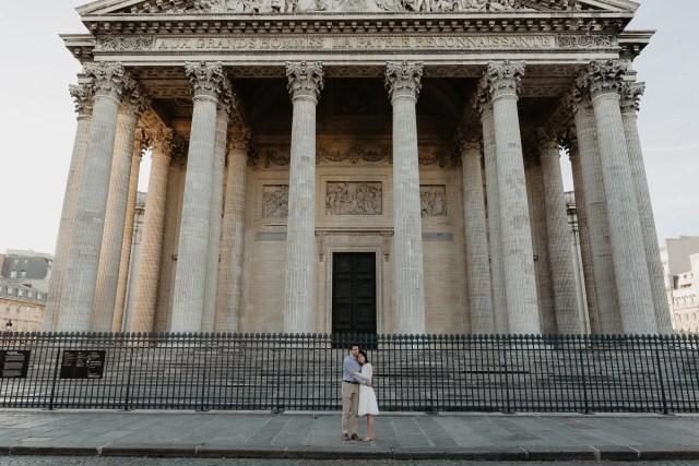 Couple photography Paris August Pantheon
