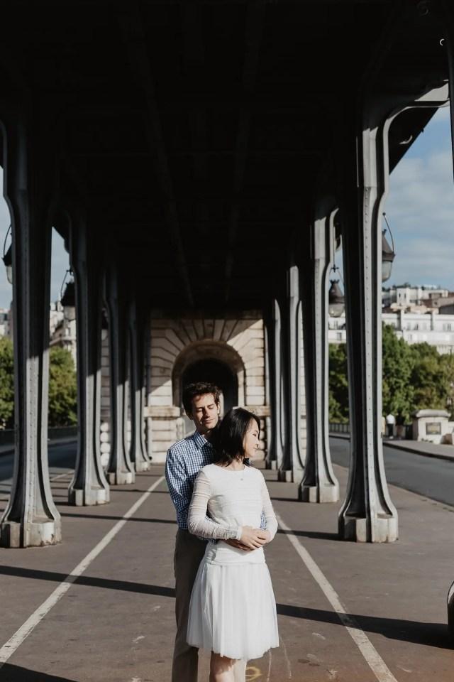 Engagement photos in Paris - Bir Hakeim bridge