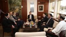 Yuli Edelstein, le président de la Knesset, rencontre un groupe de rabbins orthodoxes dans son bureau suite à l'incendie de l'église Tabgha, le 25 juin 2015 (Crédit : page Facebook de Yuli Edelstein)