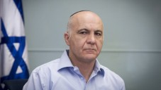 Yoram Cohen, le chef du service de sécurité du Shin Bet, assiste à une réunion de la Commission des Affaires étrangères et de la Défense à la Knesset, le 18 novembre 2014 (Crédit : Miriam Alster / FLASH90)