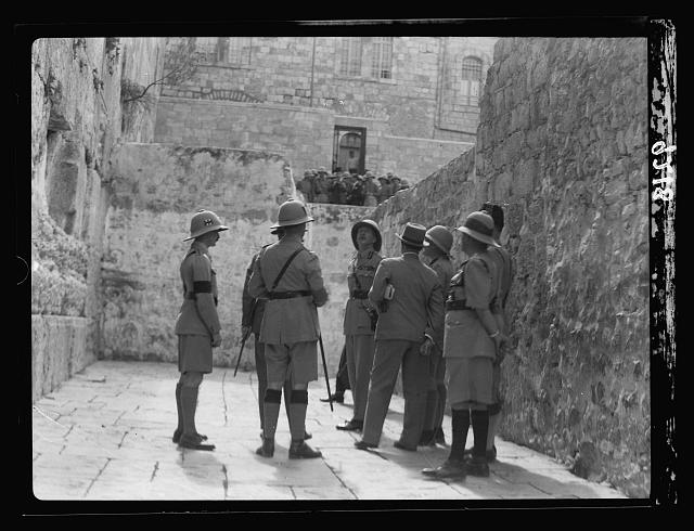 Following Palestine disturbances in 1936. British Lt. General Dill visits the Western Wall. (G. Eric and Edith Matson Photograph Collection/Library of Congress)