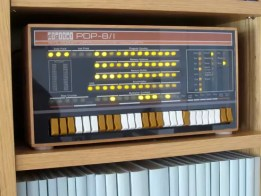 PDP-8 replica kit: the PiDP-8