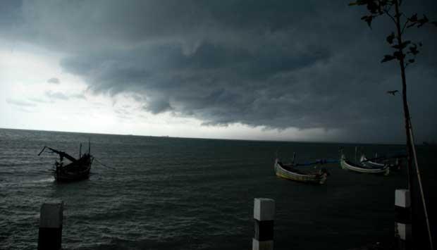 Waspada, Cuaca Ekstrem di Jawa Timur Diperkirakan Hingga Mei
