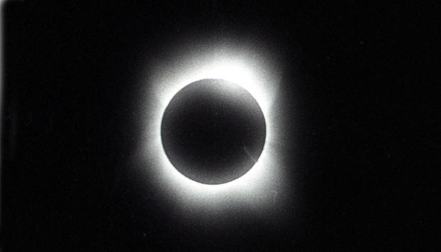 Gerhana Matahari, Efek Silau Bisa Picu Kebutaan